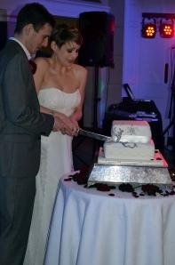 cutting cake1